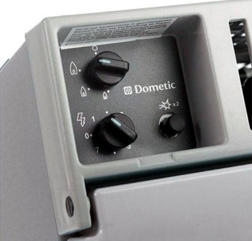 Абсорбционный холодильник Dometic CombiCool RC 1200 EGP - панель управления подачей газа